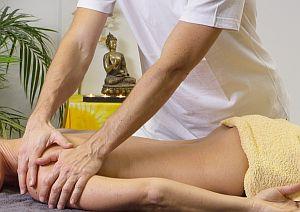 Abbildung: Behandlung gegen Nackenschmerzen